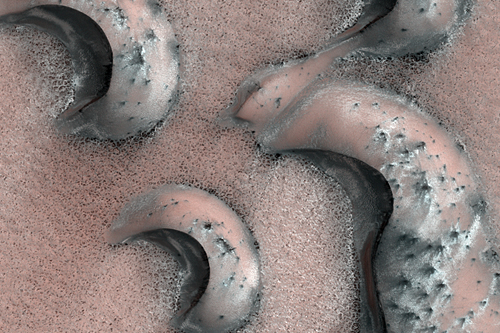 The dissappearing dunes at northern latitudes (NASA/JPL/UA)