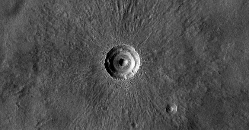 Bulls-eye! (NASA/JPL/Univ. of Arizona)