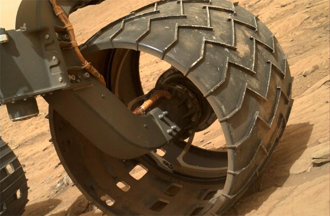 Curiosity's front-left wheel on Sol 177. Credit: NASA/JPL-Caltech